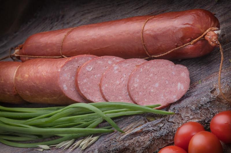 Цену колбасы снизит отмена ограничений импорта сои и бразильского мяса