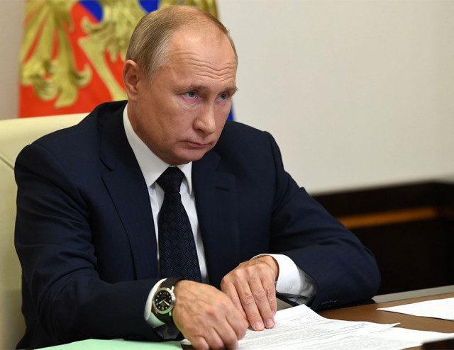 Путин заявил об отсутствии планов вводить «общенациональный локдаун»